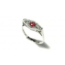 Prsten s diamanty a rubínem...