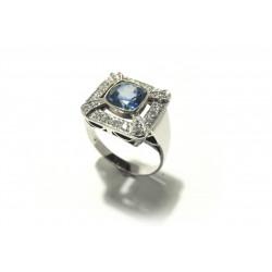 Prsten s diamanty a safírem...