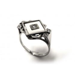 Prsten s diamanty a perletí...